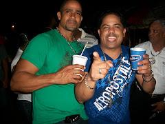 Los Sosa: Foto, Anthony Vasquez y Pedro Martines dos caballeros de nuestro pueblo, GOZANDO