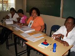Delegados y encargados de la transparencia del proceso de votación.