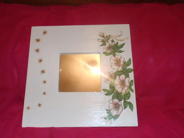 espejo malma decorado con decoupage