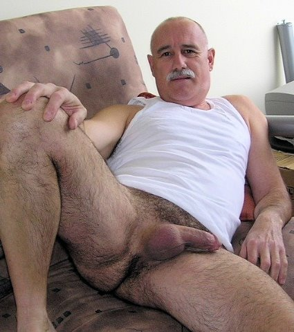 Well Hung Straight Man
