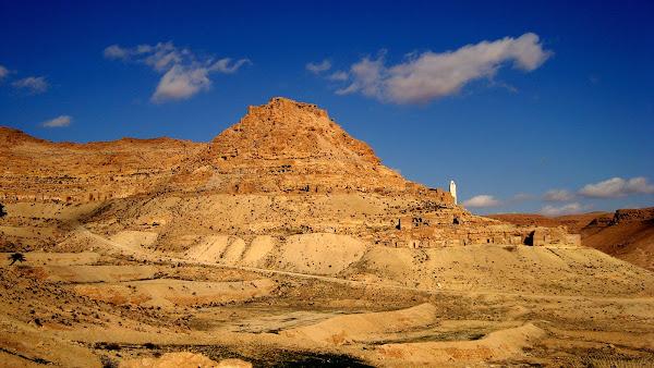 Sahara entre sable et montagne