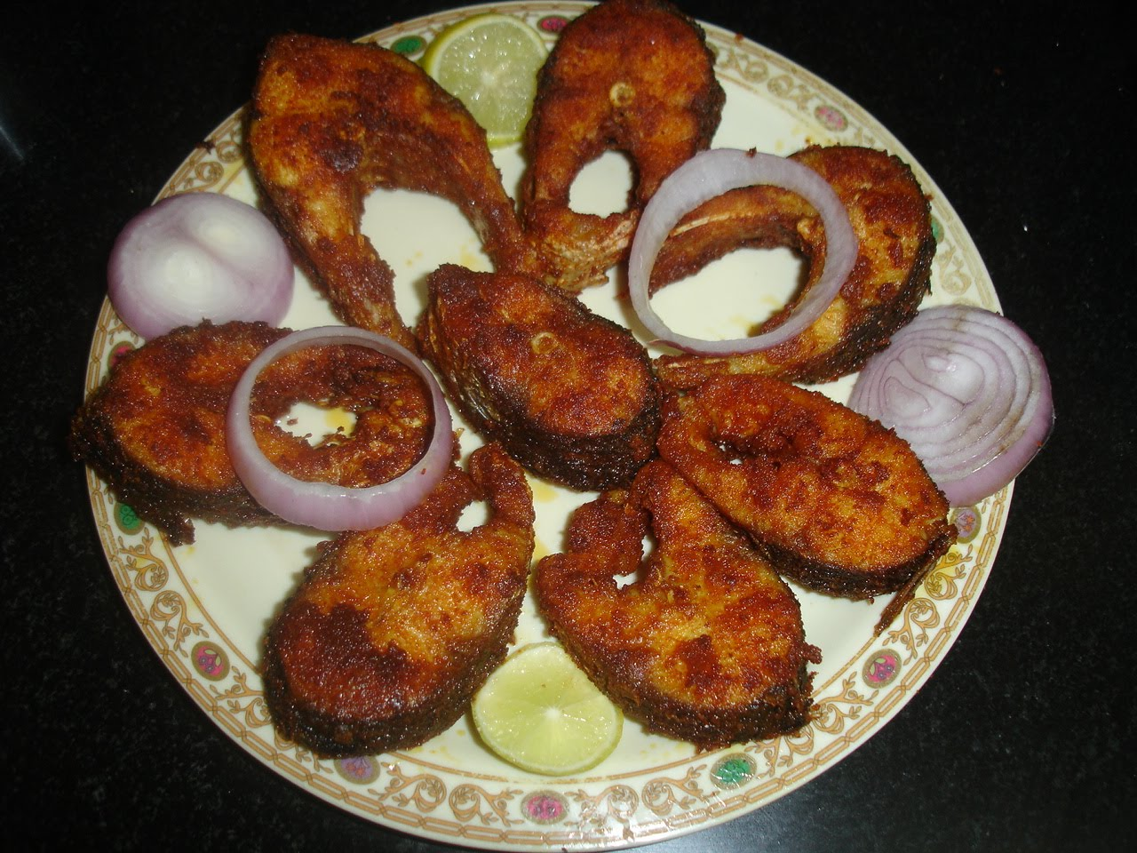 Seetha 39 s kitchen fish fry for What goes good with fried fish