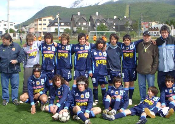 Jugadores de categ. '94 y '95, amistoso en Ushuaia. Enero '09.