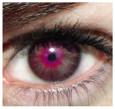 Ojos violetas