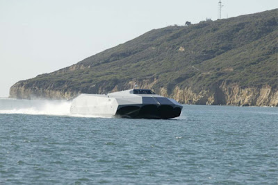 M80 Stiletto Stealth ship (5) 4