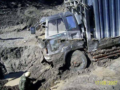 truck stuck in mud (5) 7