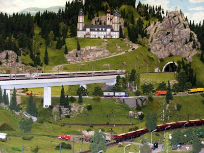 World's Biggest Railway Model (24) 8