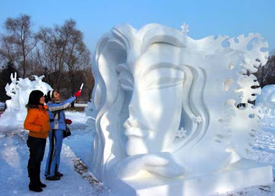 Ice+and+Snow+Sculpture+(12).jpg