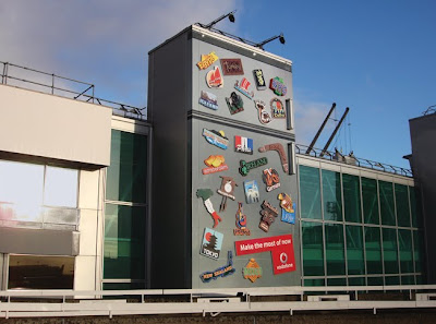 24 Clever and Creative Advertisements on Buildings (25) 18