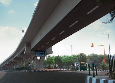 To show the extraordinary Grip, JK Tyre used the underside of flyovers & made it look like roads