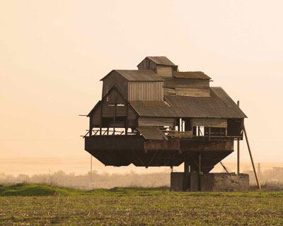 gravity houses