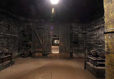Soviet Underground Submarine Station (20) 19