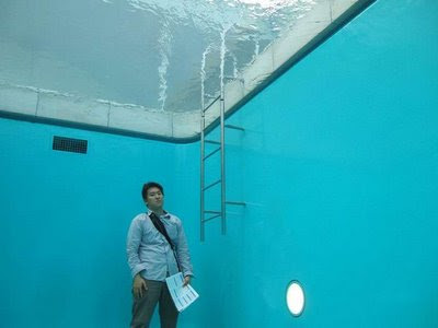 Swimming Pool Installation In 21st Century Museum Of Art Of Kanazawa (7) 4