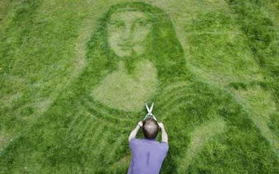 Mona Lisa mown into suburban garden lawn