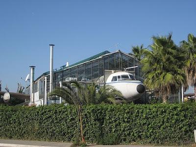 Plane Restaurant (9) 4