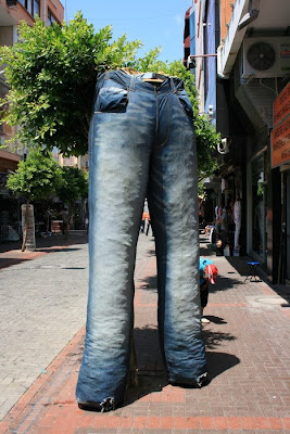 Unique and Unusual Ways To Reuse Old Denim Jeans (36) 23