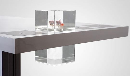 10 unusual aquariums and creative fish tanks designs part 4 for Fish tank desk
