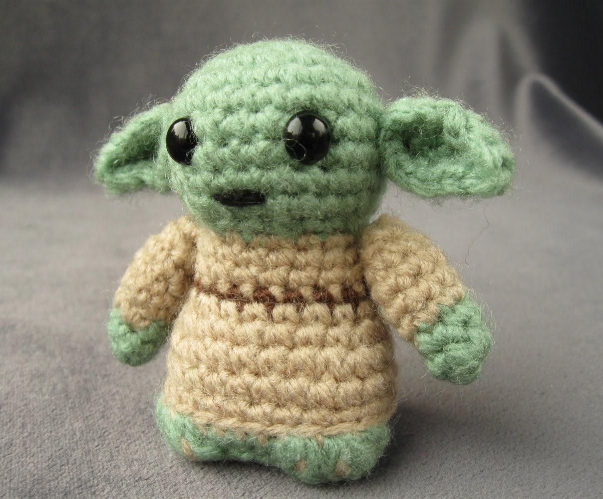 Amigurumi Yoda : Starwars Mini Amigurumi Patterns.