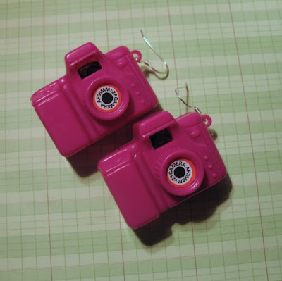18 Creative and Cool Camera Earrings (18) 15