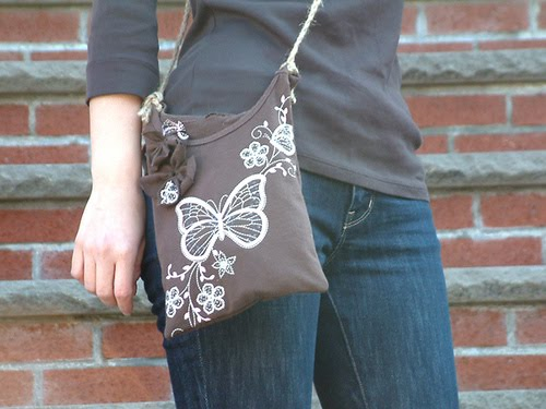 15 creative and cool ways to reuse old t shirts for Reusable t shirt bags