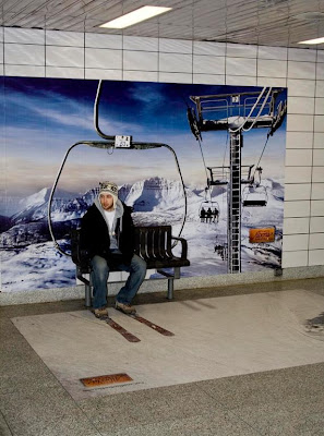 16 Creative and Clever Bench Advertisements (16) 4