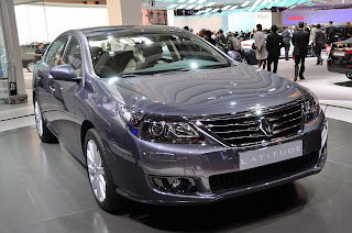http://2.bp.blogspot.com/_NpeIbAsXPso/TKgve0oE6VI/AAAAAAAAIAI/hXtilnznVRc/s1600/2011+Renault+Latitude+01.jpg