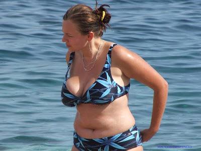 wallpaper with bikini woman on beach