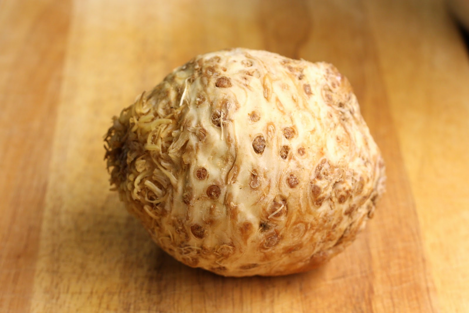 how to cut celery root
