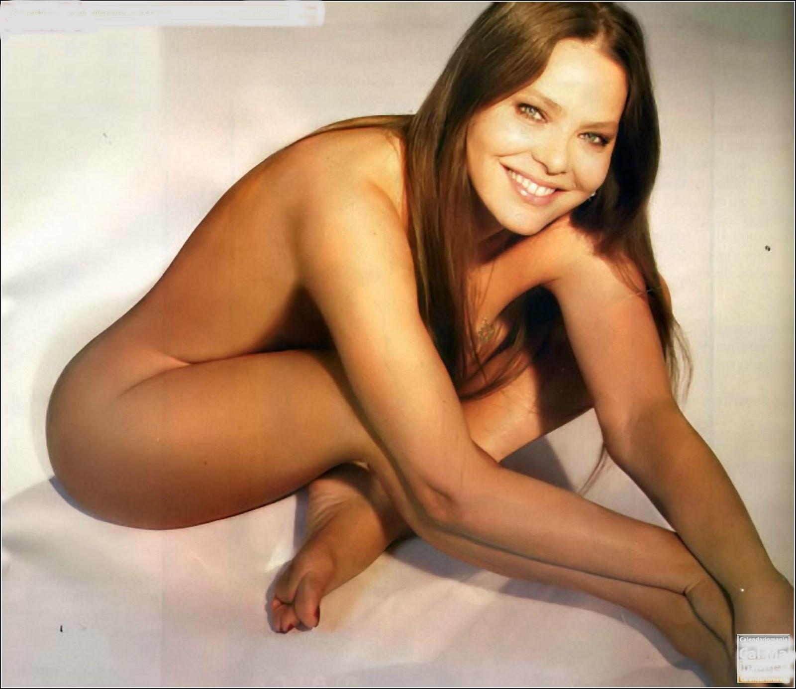 http://2.bp.blogspot.com/_NwPRCjb5vuE/TSzWYx9Xp3I/AAAAAAAAAhs/oCIiURRG7Co/s1600/Ornella-Muti-Feet-59295.jpg