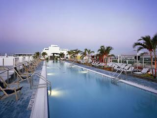 Miami Beach Gansevoort Hotel, Miami Beach Florida - rooftop pool
