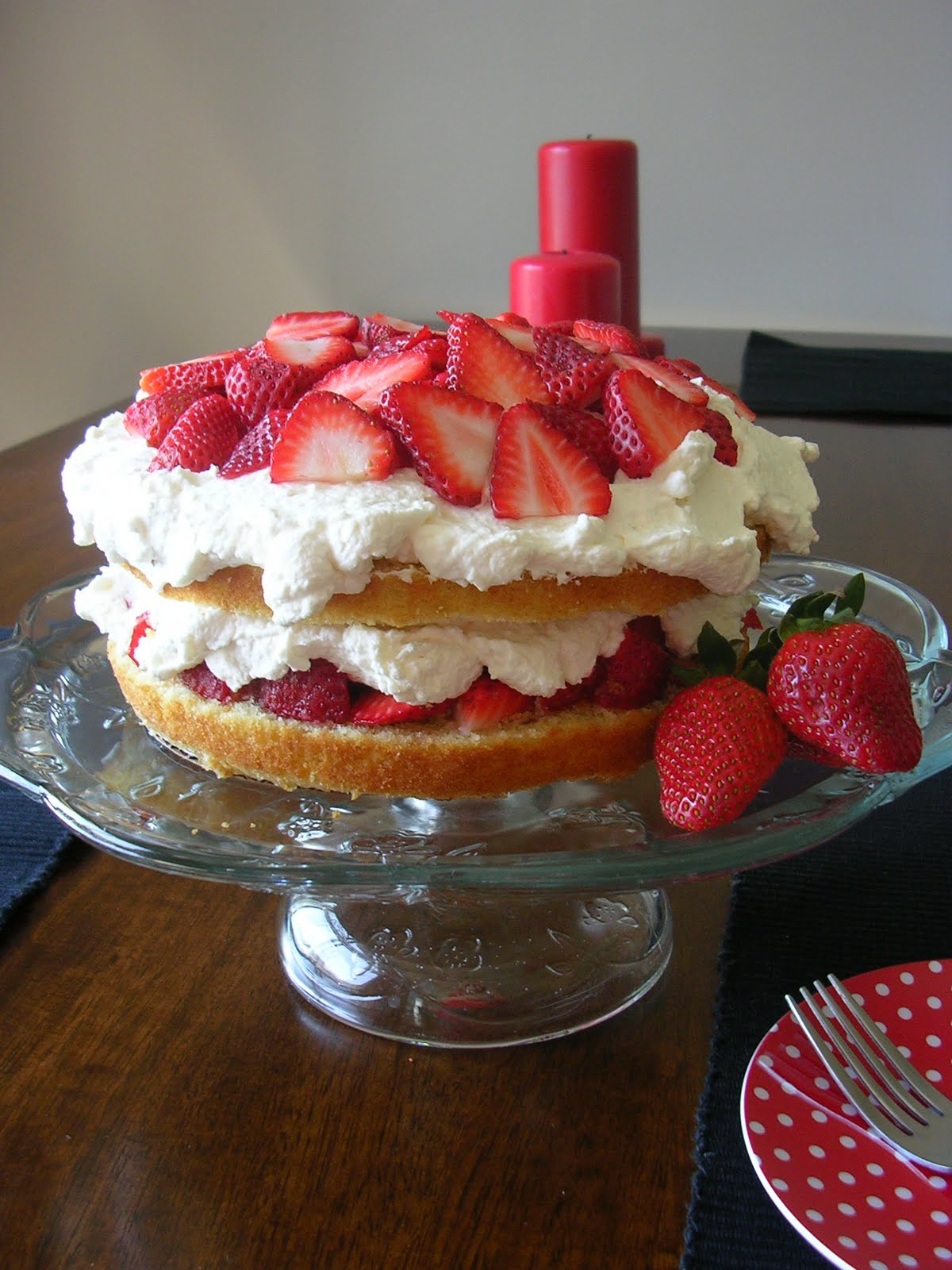 The Busty Baker: Strawberry Cream Cake