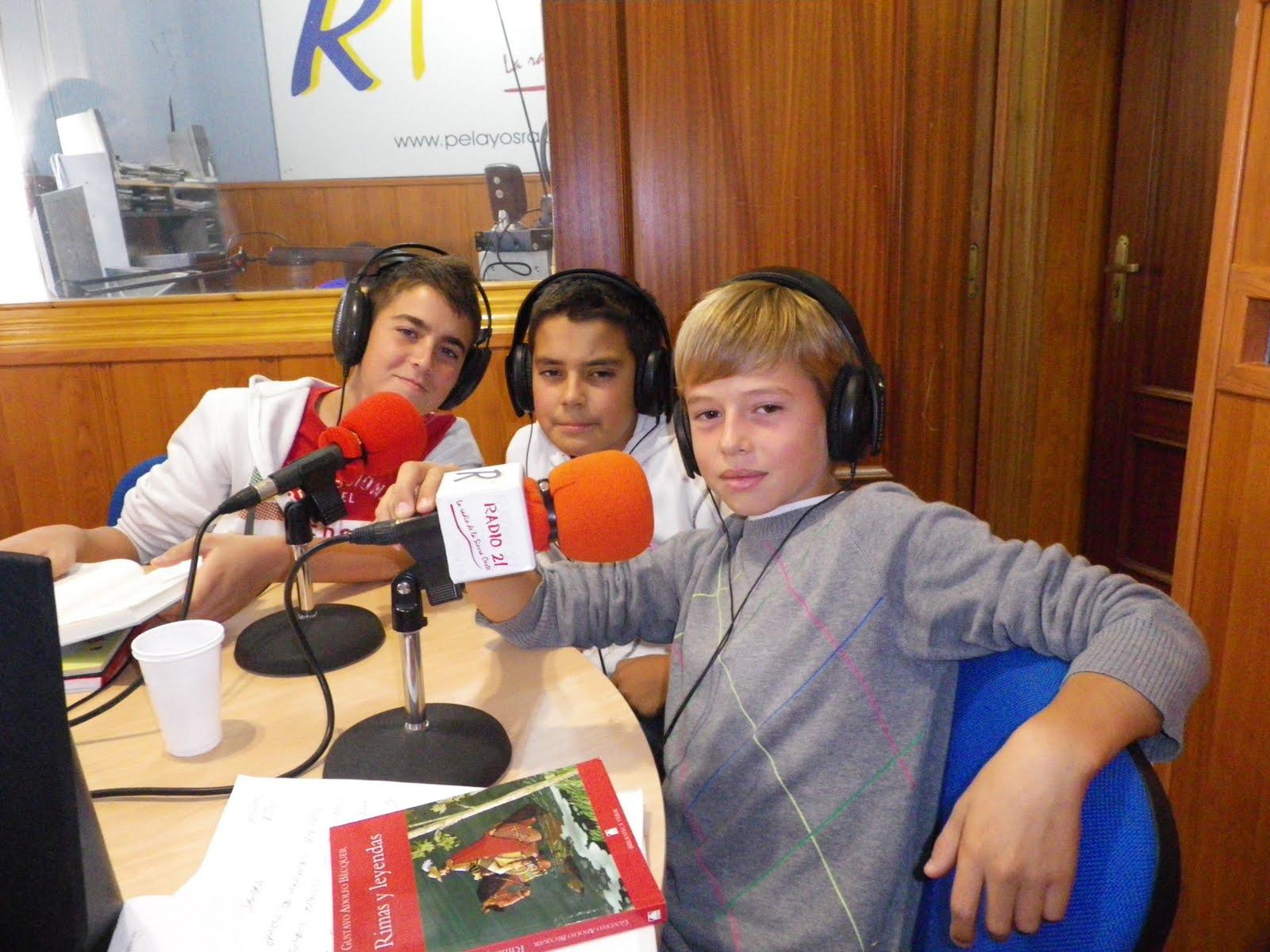 Programa 3 con tres amigos de navas del rey en el estudio - Tres estudio ...