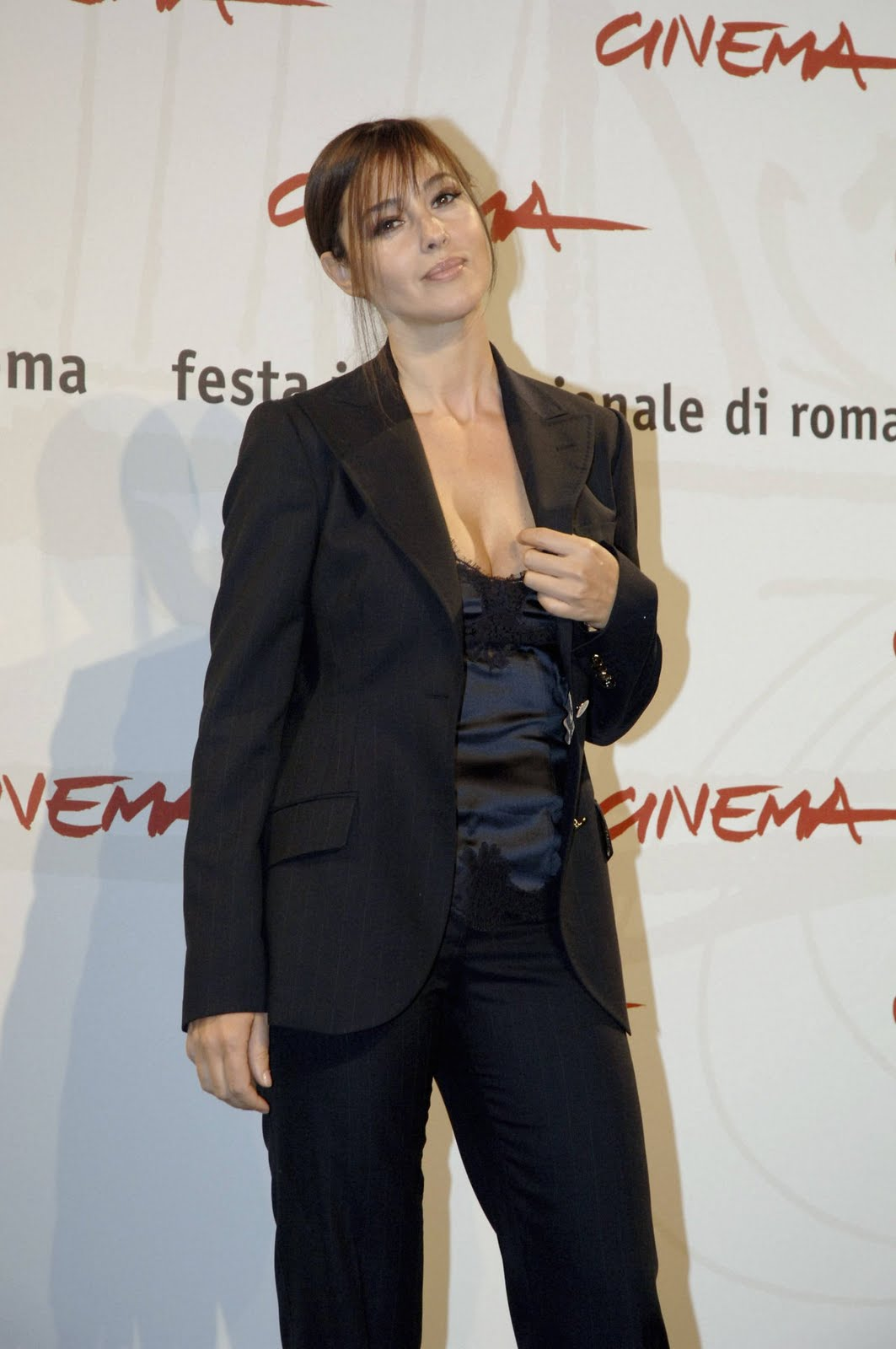 Monica Bellucci sexy 636881 tina fey   various pictures
