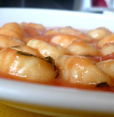 gnocchi,pasta,tomato