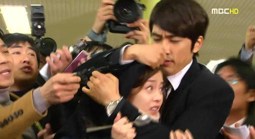 Squidoo and Me: Song Seung Heon Hugs Kim Tae Hee