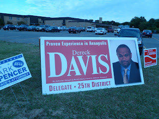 giant Dereck Davis campaign sign