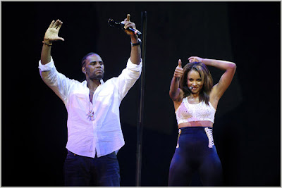 ciararkelly3 Ciara & R. Kelly Screamfest Pics