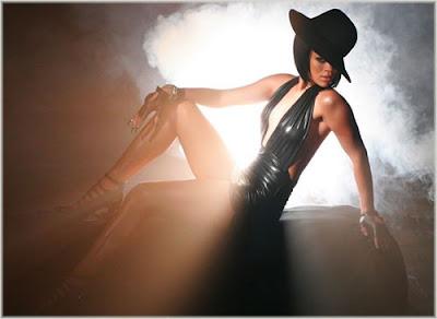 Rihanna Tops Billboard Hot 100