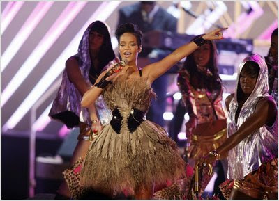 Rihanna Joins Grammy Performers Line-Up