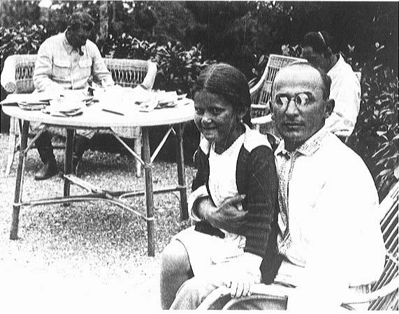 Mentiras sobre Stalin Lavrenti_Beria_Stalins_family