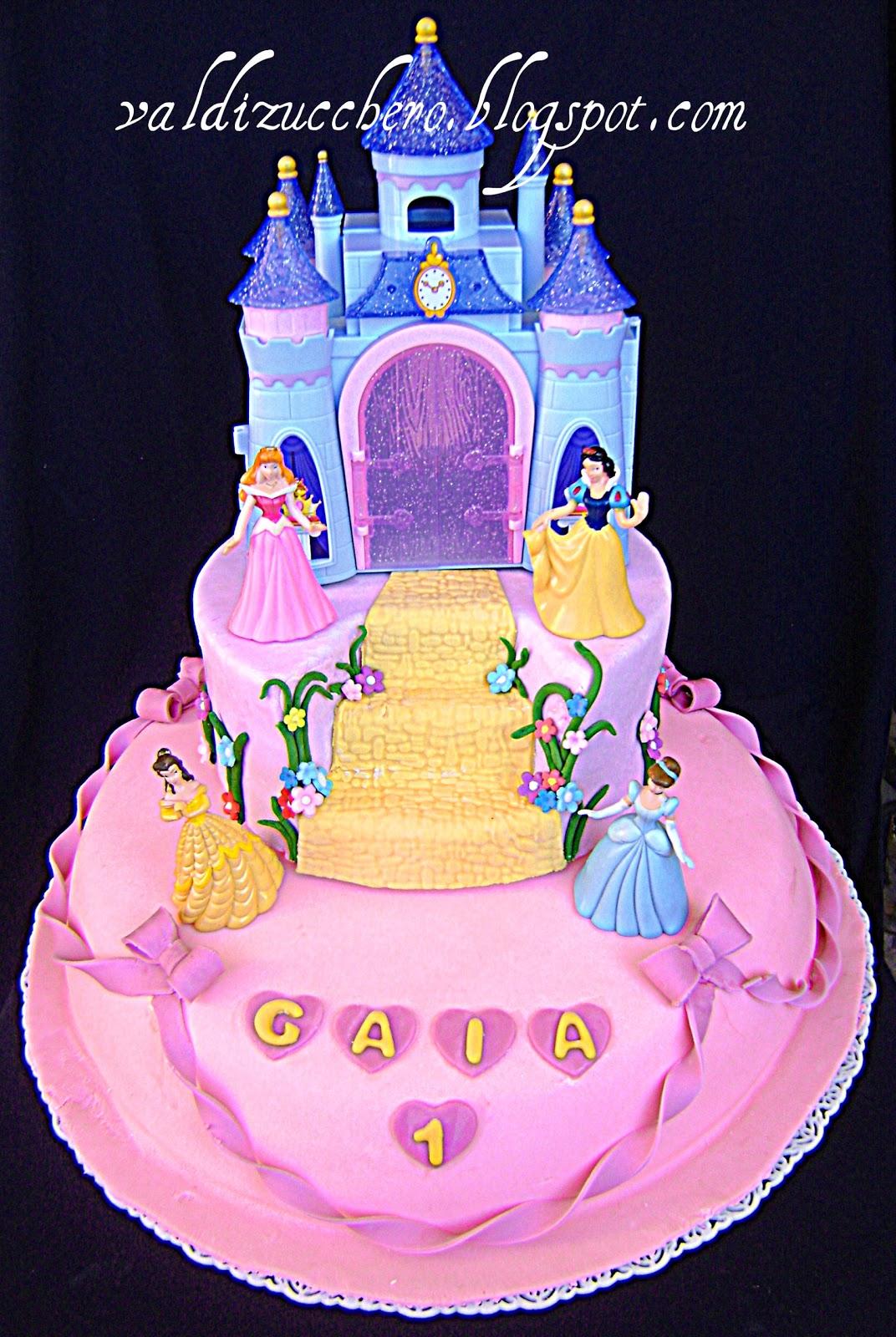 Torte delle principesse in pasta di zucchero