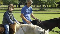 Andando a caballo solo!!