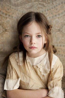 Mackenzie Foy Pemeran Renesmee Cullen