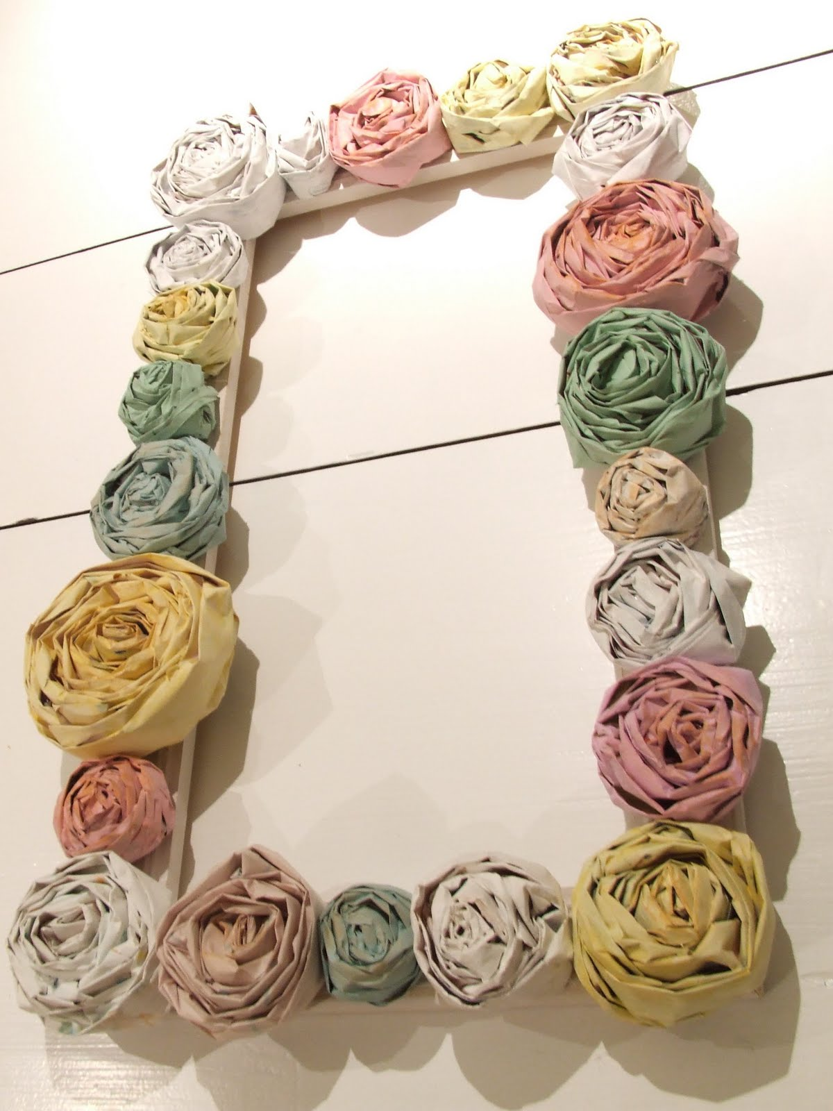http://2.bp.blogspot.com/_O728Hix-VB0/S9eROzJ1HkI/AAAAAAAAAEo/xkGODvPf0DM/s1600/rose+wreath.jpg