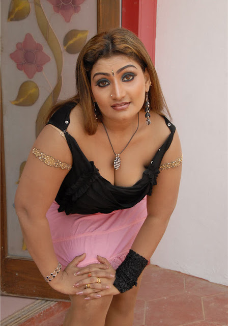[TAMIL_SEX_ACTRESS_BABYLONA_SEXY_HOT_PHOTOS_(17).jpg]