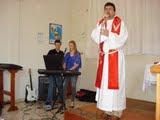 """Pastor ERILDO cantando a música """"PRECISO DE TÍ"""""""