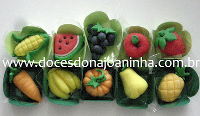 doces decorados fazendinha leguems frutas e verduras