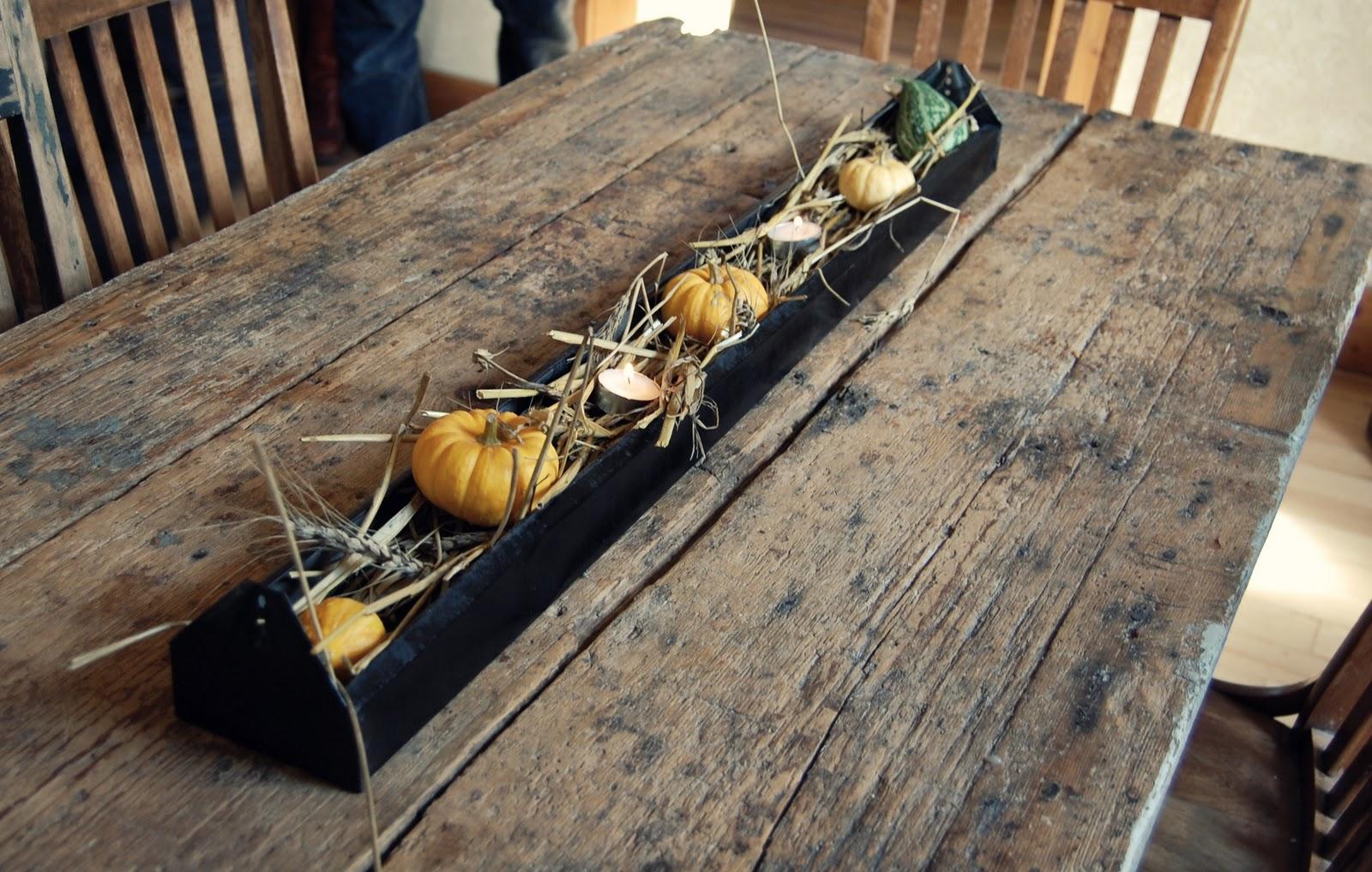 Twig easy autumn decor idea for Old chicken feeder ideas