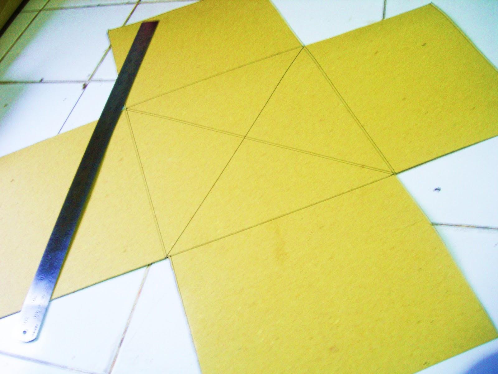 Buat lingkaran di tengah pola seperti digambar, diameter lingkaran ...