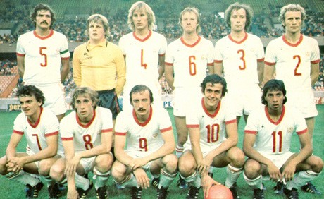 Homenaje a un grande del futbol: Michel Platini